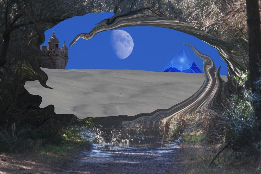 foto surreale con paesaggio onirico con castello luna e piramide di cristallo su deserto in vortice