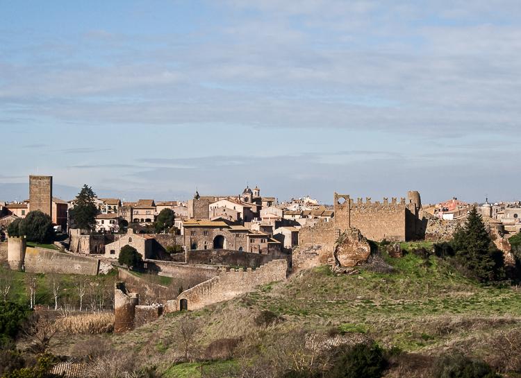 veduta di tuscania città della zona etrusca