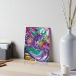 stampa artistica con mmagine astratta con vortici e forme circolari dai toni di color porpora con screziature e con colori verdi,bianchi,fucsia,porpora e giallo