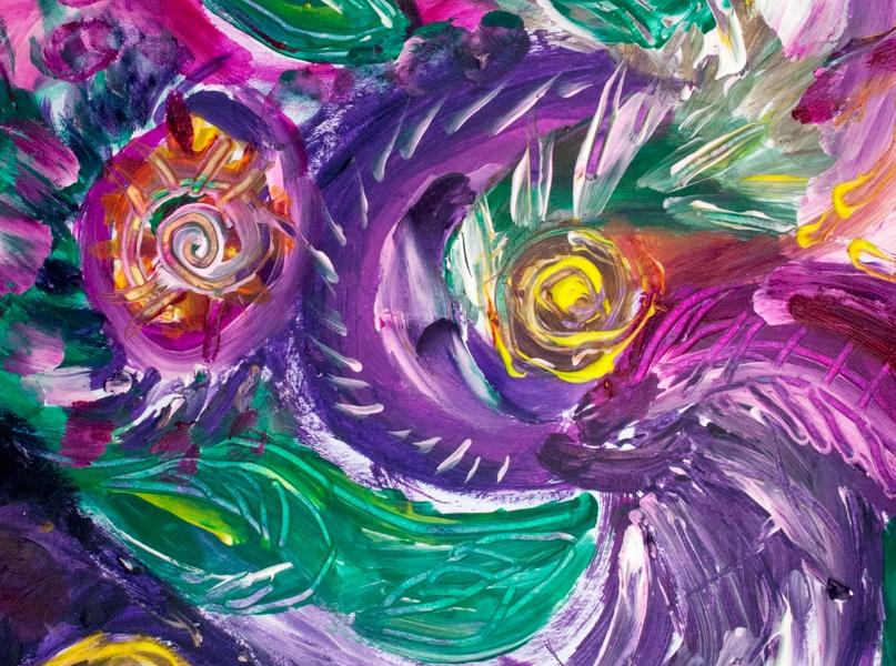 immagine astratta con turbini e forme circolari dai toni di color porpora con screziature e con colori verdi,bianchi,fucsia,porpora e giallo